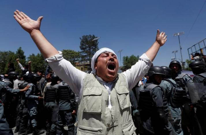 An Afghan man chants slogans, during a protest in Kabul, Afghanistan June 2, 2017. Photo: Reuters