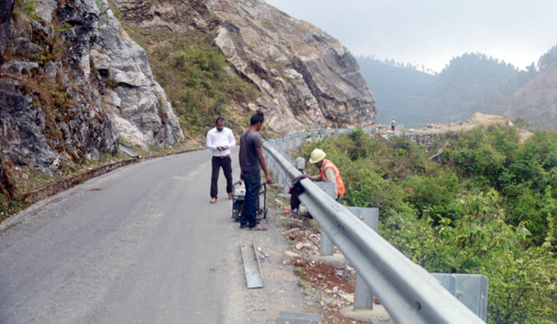 Road side barricader being installed along the highway in far western Nepal, on Monday, June 5, 2017. Photo: RSS