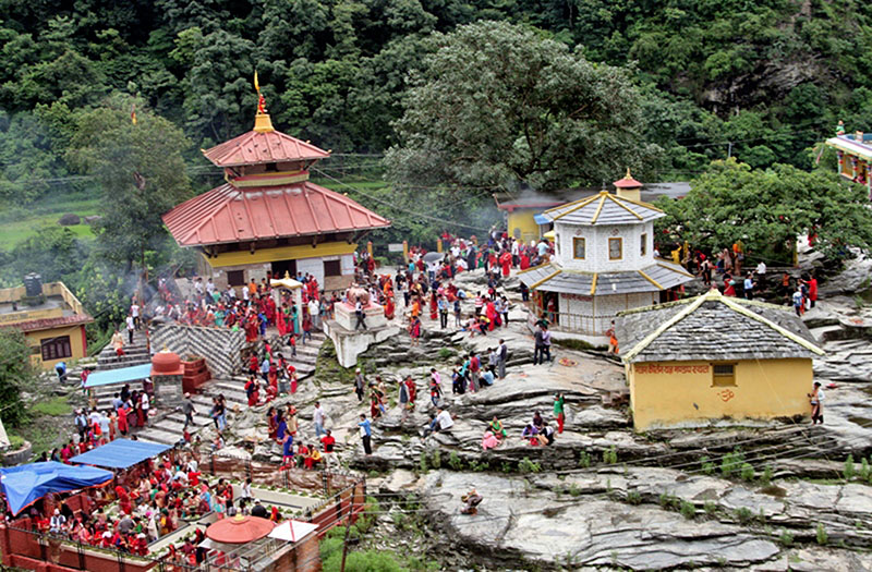 Devotees throng Goleshwor Temple in Beni Municipality-9 in Myagdi district, on Monday, July 24, 2017. Photo: RSS