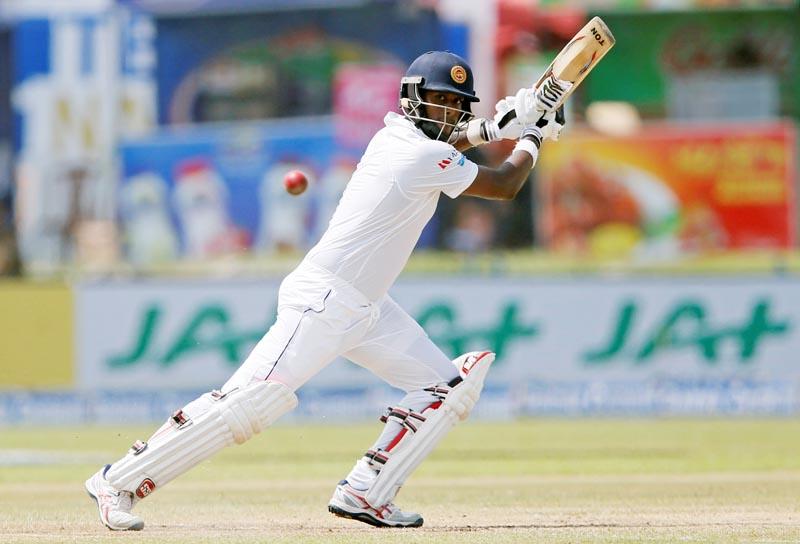 Sri Lanka's Angelo Mathews plays a shot. Photo: Reuters