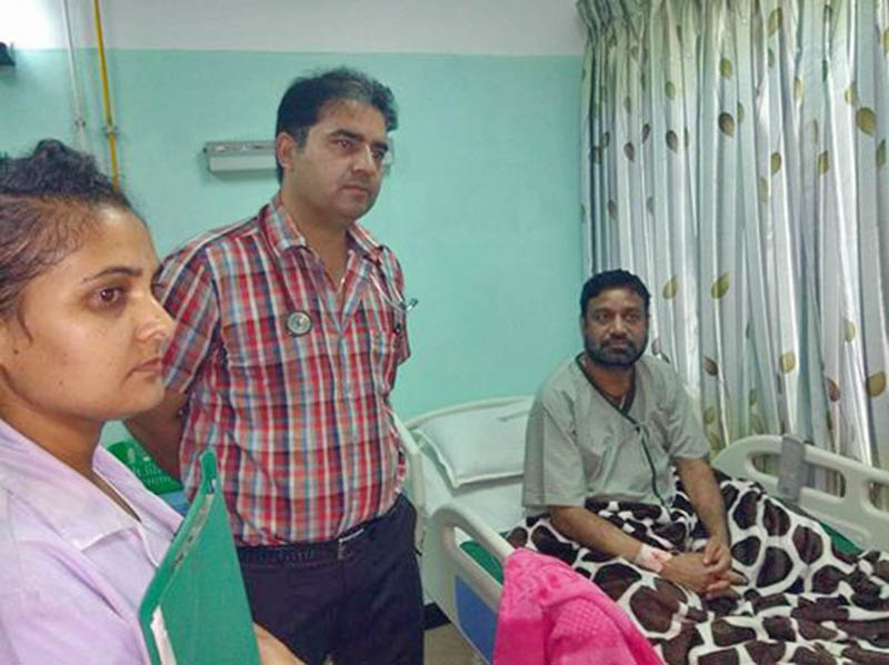 Nepali Congress leader Bimalendra Nidhi being admitted to OM Hospital and Research Centre in Chahabil, Kathmandu, on Tuesday, August 15, 2017. Courtesy: Ramjee Dahal