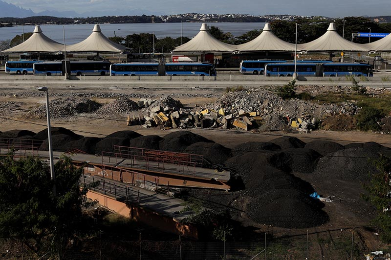 Unfinished works are pictured at Fundao bus terminal, which is part of the bus rapid transit system linking Rio's main airport to Olympic areas, along the TransCarioca expressway in Rio de Janeiro, Brazil, on July 31, 2017. Photo: Reuters