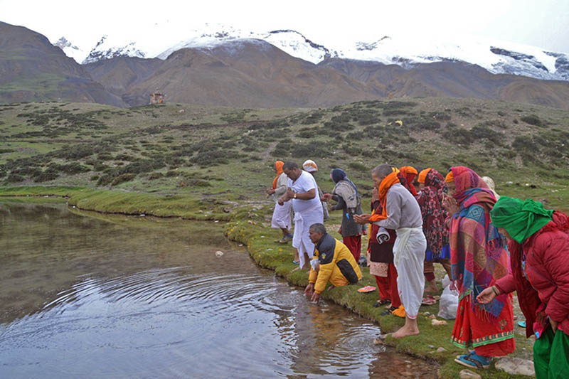 Devotees throng Damodar Kunda in Mustang district, on Friday, August 11, 2017. Photo: RSS