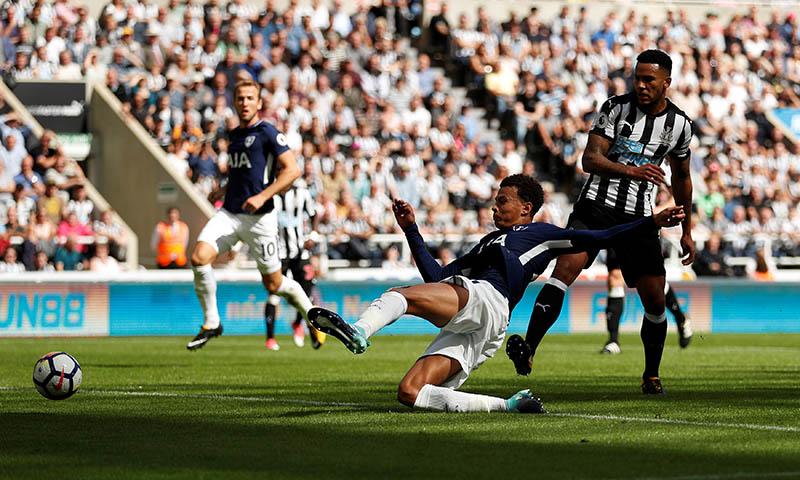 Tottenham's Dele Alli scores their first goal. Photo: Reuters