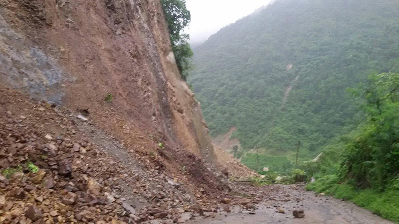 Landslide debris falling on the Narayangadh-Muglin road section, in Chitwan district, on Thursday, August 3, 2017. Photo: Shiv Khanal