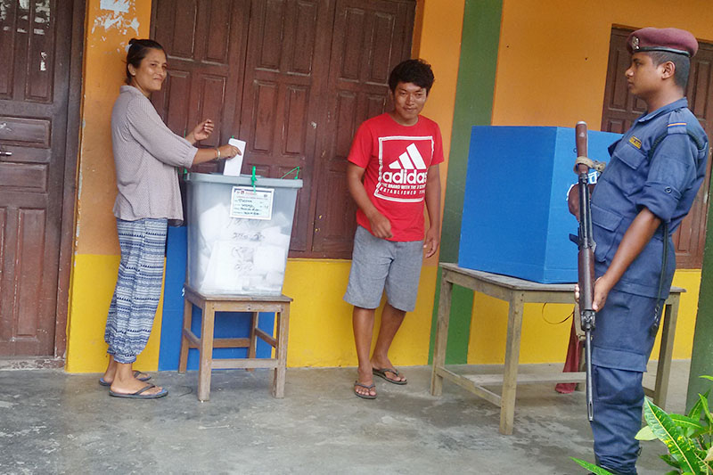 A woman cast her vote in Bharatpur Metropolis-19 in Chitwan district, on Friday, August 4, 2017. Photo: Tilak Ram Rimal