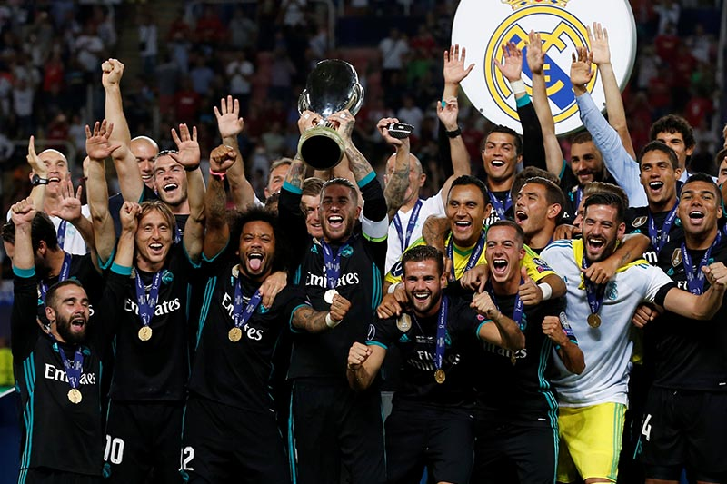 Real Madridu2019s Sergio Ramos lifts the trophy as they celebrate winning the super cup final match between Real Madrid and Manchester United in Skopje, Macedonia, on August 8, 2017. Photo: Reuters