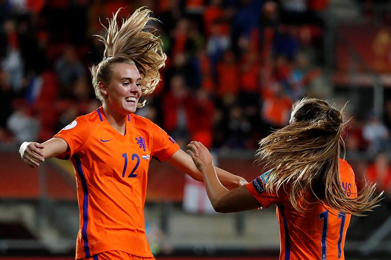 Netherlandsu2019 Jill Roord and Lieke Martens celebrate after England's Millie Bright scored an own goal and their third goal in Women's Euro 2017 match between England and Netherlands at Enschede, Netherlands, on August 3, 2017. Photo: Reuters