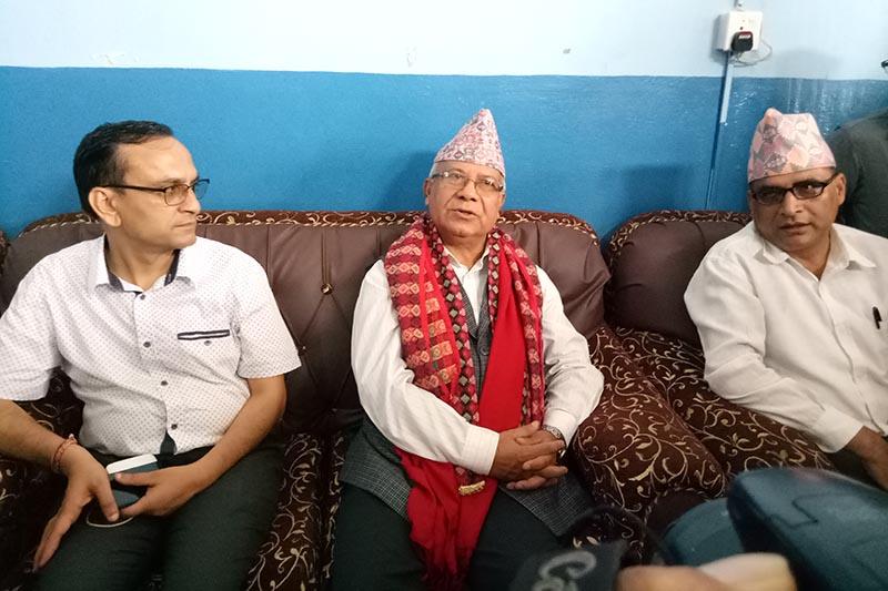 Former Prime Minister and CPN-UML senior leader Madhav Kumar Nepal addresses a press meet organised by Press Chautari Nepal in Chitwan, on Tuesday, September 26, 2017. Photo: Tilak Ram Rimal/THT