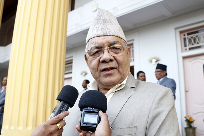 UML leader Bam Dev Gautam speaks to media during a tea receiption organised at the Presidential Palace, on Monday, October 16, 2017. Photo: RSS