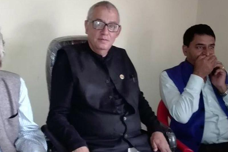 Nepali Congress General Secretary Shashank Koirala (centre) among other leaders attend a press meet organised by Press Union Nawalparasi at Kawasoti, on Wednesday, October 4, 2017. Photo: RSS