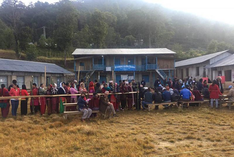 Voters queuing to cast their ballots at Pokhare voting centre in Bhojpur Municipality in Bhojpur district, on Sunday, November 26, 2017. Photo: THT