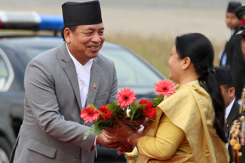 President Bidya Devi Bhandari being welcomed by Vice-President Nanda Bahadur Pun, upnon her arrival at the Tribhuvan International Airport after completing her four-day official visit to UAE, on Thursday, November 16, 2017. Photo: RSS