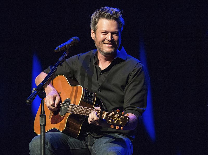 Blake Shelton performing at the 12th Annual Stars for Second Harvest Benefit at Ryman Auditorium in Nashville, Tenn., on June 7, 2016. Photo: AP