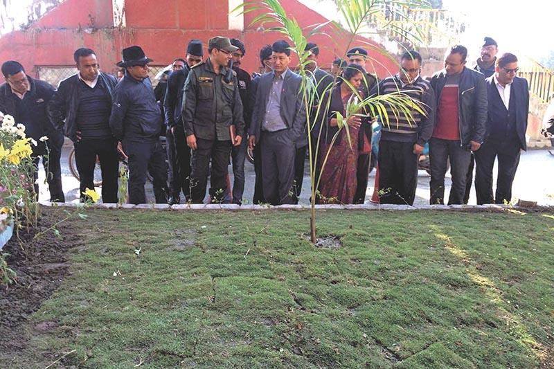 Kathmandu Metropolitan City Mayor Bidhya Sundar Shakya inspecting a traffic island in Jamal, Kathmandu, on Sunday, November 12, 2017. Photo: THT