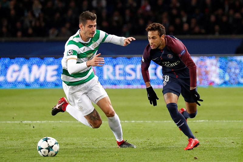 Paris Saint-Germainu2019s Neymar in action with Celticu2019s Nir Bitton. Photo: Reuters