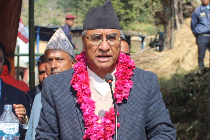 PM Sher Bahadur addresses an election rally in Tanahun, on Tuesday, November 28, 2017. Photo: RSS