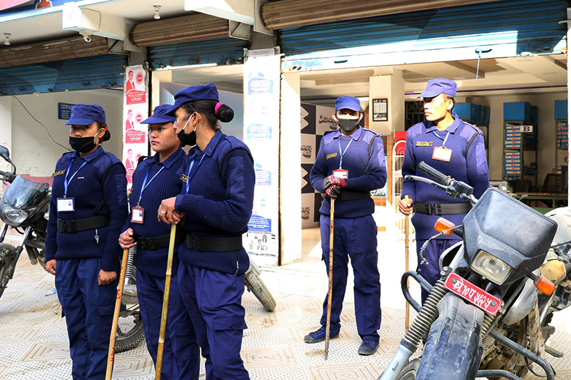 Temporary police personnel being mobilised for upcoming polls at Taplejung district, on Wednesday, November 22, 2017. Photo: RSS