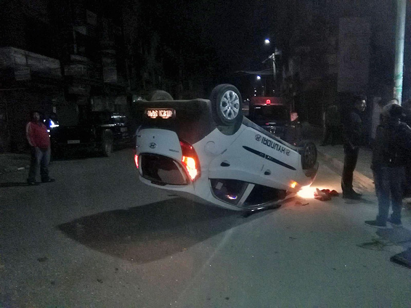 An image of a four-wheeler that turned turtle at Maitidevi Chok, in wee hours of Saturday, November 4, 2017. Photo: Bishal Siwakoti