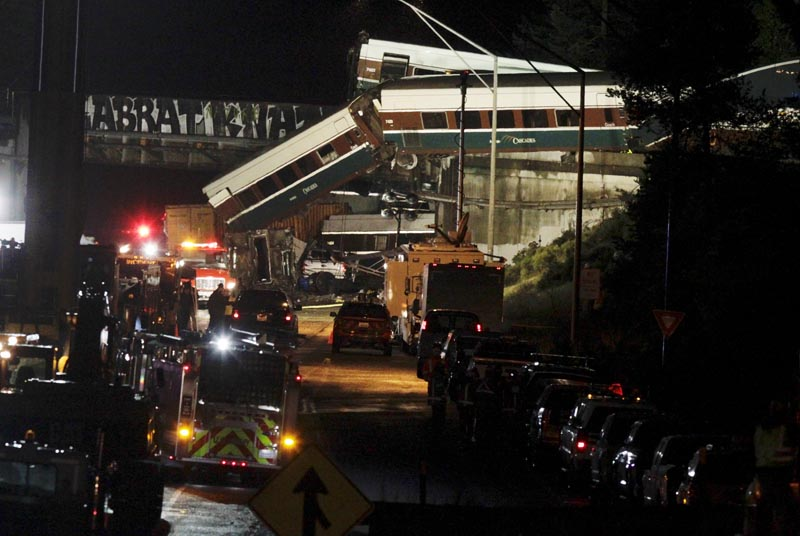 The scene where an Amtrak passenger train derailed on a bridge over interstate highway I-5 in DuPont, Washington, US on December 18, 2017. Photo: AP