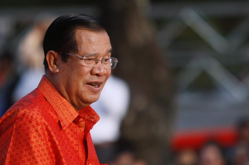 Cambodia's Prime Minister Hun Sen holds a ceremony at the Angkor Wat temple to pray for peace and stability in Cambodia, in Siem Reap province, Cambodia, on December 3, 2017. Photo: Reuters
