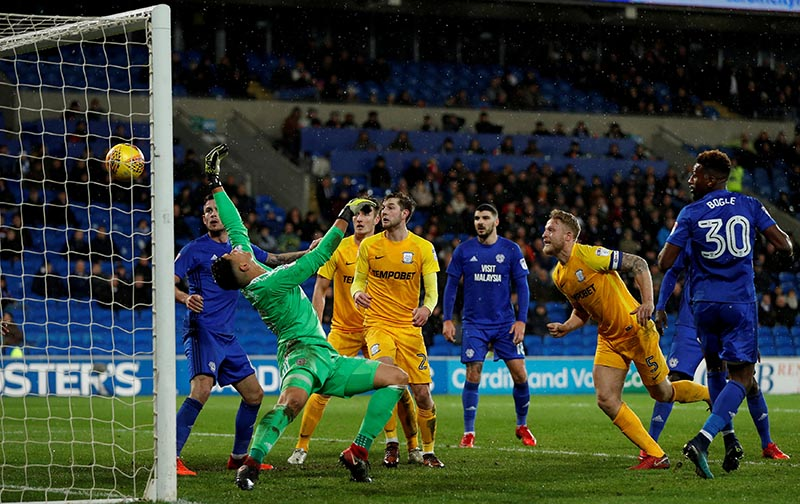 Championship - Cardiff City vs Preston North End - Cardiff City Stadium, Cardiff, Britain - December 29, 2017  Preston North End's Tom Clarke scores their first goal. Photo: Reuters
