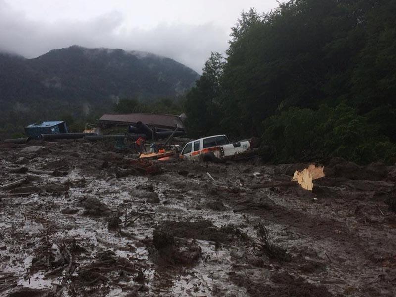 Damage done by a landslide is seen in Villa Santa Lucia, Los Lagos, Chile, on December 16, 2017. Photo: CRISTIAN ZUMELZU BARROS via Reuters