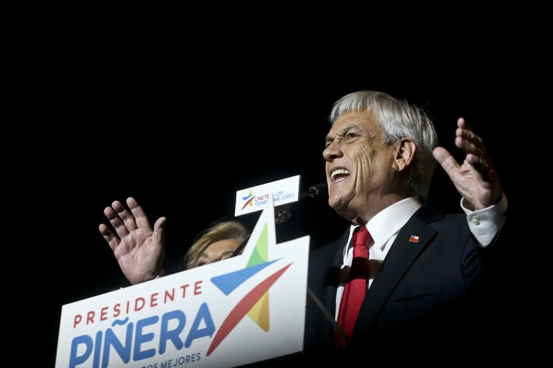 Former President Sebastian Pinera addresses supporters after winning the presidential elections runoff in Santiago, Chile, Sunday, on  December 17, 2017. Photo: AP