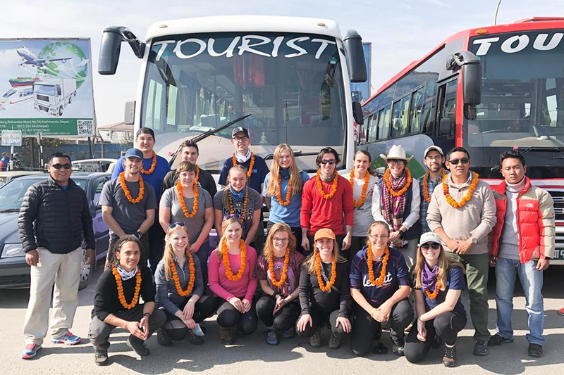 Participants and US volunteers Hike for Help Nepal pose for a group photograph before heading towards Solukhumbu, on December 24, 2017. Photo: THT Online