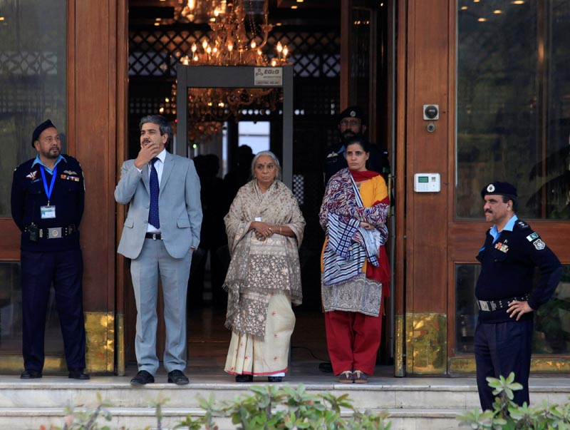Former Indian navy officer Kulbhushan Sudhir Jadhav's mother Avanti and wife, Chetankul arrive to meet him at Ministry of Foreign Affairs in Islamabad, Pakistan December 25, 2017. Photo: APnn