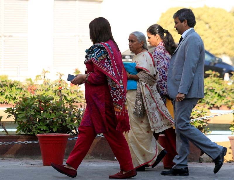 JADHAV'S WIFE   Former Indian navy officer Kulbhushan Sudhir Jadhav's mother Avanti (2nd L) and wife, Chetankul, (2nd R) arrive to meet him at Ministry of Foreign Affairs in Islamabad, Pakistan, December 25, 2017. Photo: Reuters