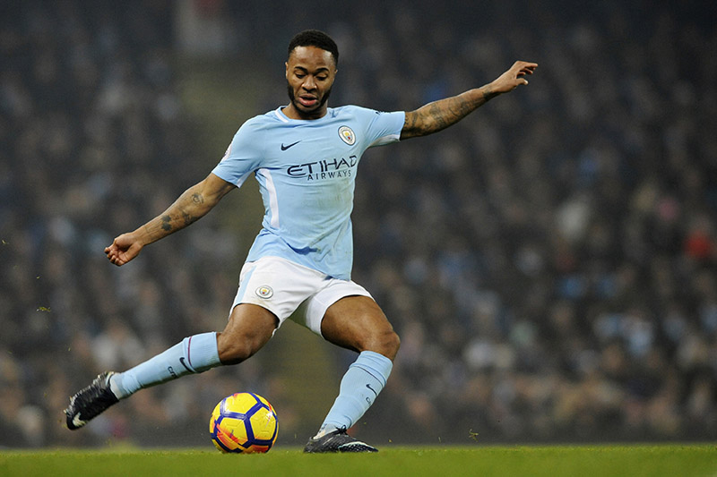 Manchester City's Raheem Sterling attempts a shot at goal during the English Premier League soccer match between Manchester City and Tottenham Hotspur at Etihad stadium, in Manchester, England, Saturday, Dec. 16, 2017. Photo: AP