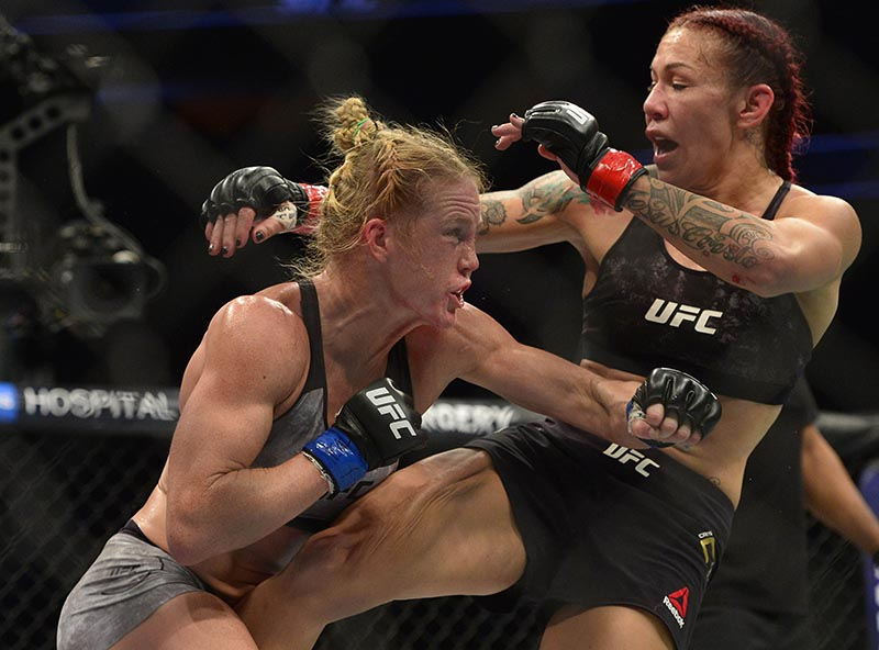 Cris Cyborg defends against Holly Holm during UFC 219 at T-Mobile Arena, in Las Vegas, NV, USA, on December 30, 2017. Photo: Gary A. Vasquez-USA TODAY Sports via Reuters