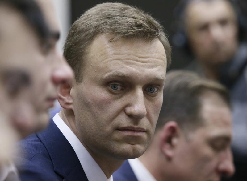 Russian opposition leader Alexei Navalny submits his documents to be registered as a presidential candidate at the Central Election Commission in Moscow, Russia December 24, 2017. Photo: AP