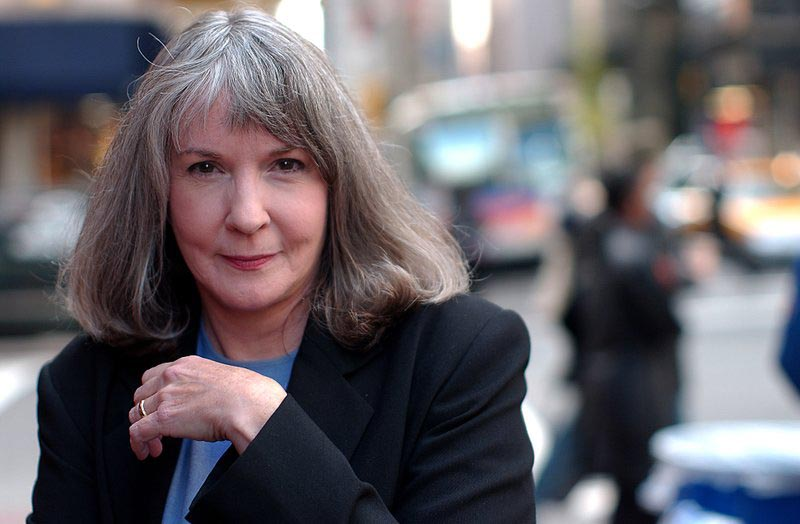 2002 file photo, mystery writer Sue Grafton poses for a portrait in New York. Grafton has died in Santa Barbara, Calif., at the age of 77. Her daughter, Jamie Clark says her mother passed away Thursday night, Dec. 28, 2017, after a two-year battle with cancer and was surrounded by family.