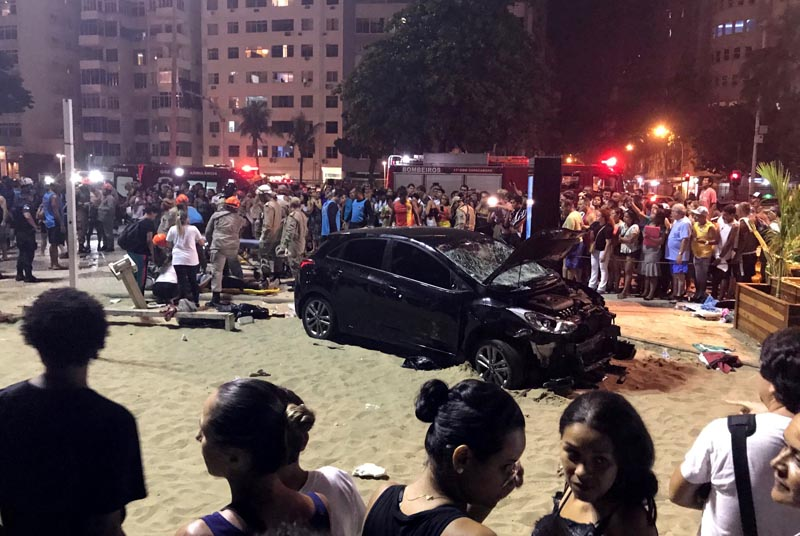 A vehicle that ran over some people at Copacabana beach is seen in Rio de Janeiro, Brazil January 18, 2018. According to local media, the driver was detained. Photo: Reuters.