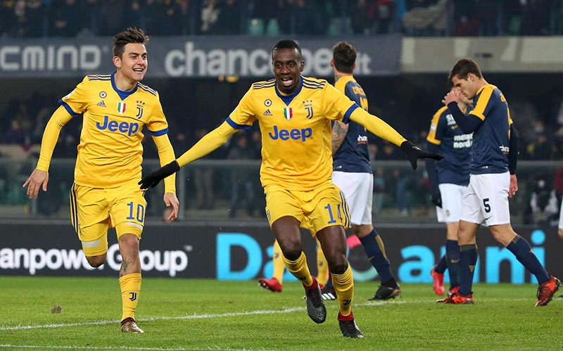 Juventus' Blaise Matuidi celebrates with his teammate Paulo Dybala, left, after scoring during the Serie A soccer match between Hellas Verona and  Juventus, at the Bentegodi stadium in Verona, Italy, on Saturday, December 30, 2017. Photo: Filippo Venezia/ANSA via AP