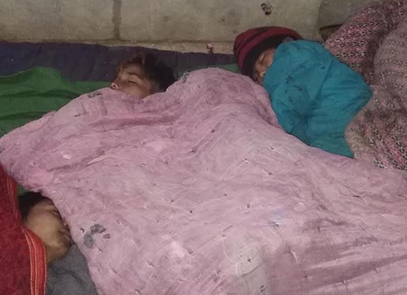Street children sleeping under the open sky in Birendranagar, Surkhet, on Tuesday, January 9, 2018. Photo: THT