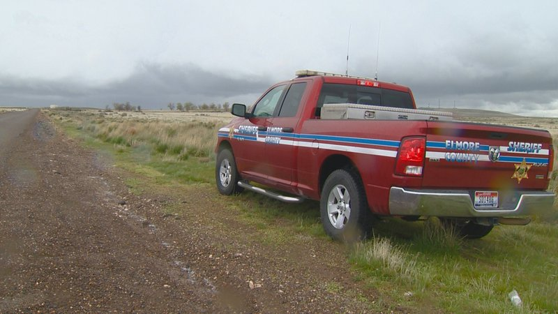 shows an Elmore County Sheriff vehicle in the remote area where skeletal remains were found in a badger hole north of Mountain Home, Idaho. The U.S. government says itu2019s working with two Native American tribes to return the 500-year-old, well-preserved bones of a young adult and child found in a southwestern Idaho badger hole to one of the tribes.
