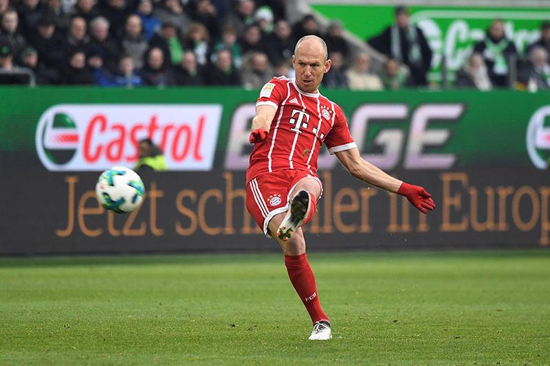 Bayern Munich's Arjen Robben takes a free kick. Photo: Reuters