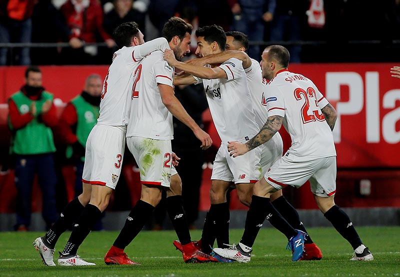 Sevillau2019s Franco Vazquez celebrates scoring their second goal with team mates during Spanish King's Cup Semi-final second leg match between Sevilla and Leganes, at Ramon Sanchez Pizjuan, in Seville, Spain, February 7, 2018. Photo: Reuters