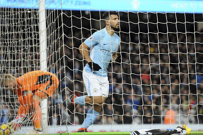 Manchester City's Sergio Aguero (centre), celebrates after scoring his side's second goal during the English Premier League soccer match between Manchester City and Leicester City at the Etihad Stadium in Manchester, England, on Saturday, February 10, 2018. Photo: AP