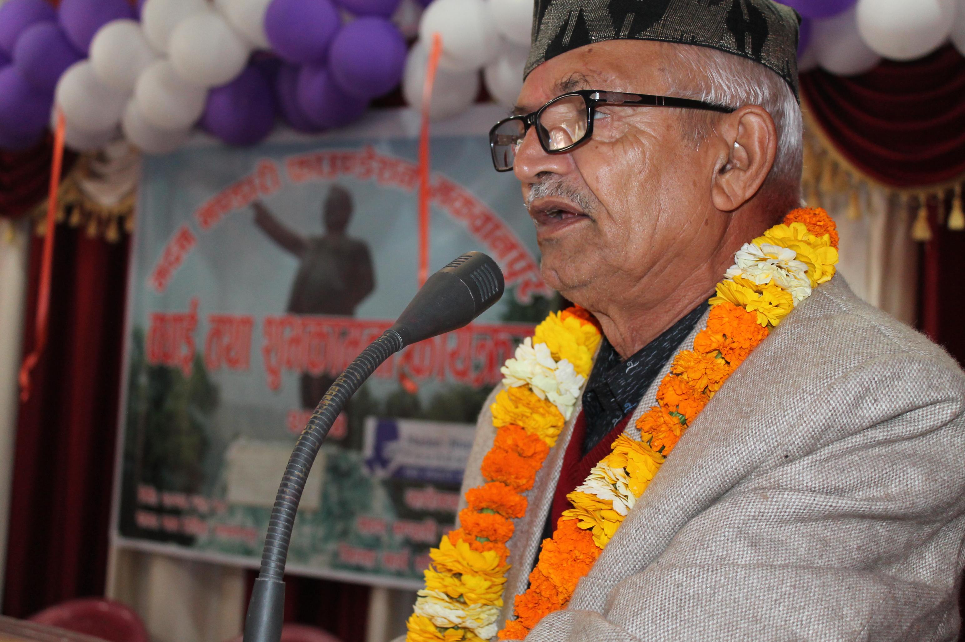Chief Minister Dor Mani Poudel speaking at an award ceremony organised by Madan Bhandari Foundation, Hetauda. PHOTO: Prakash Dahal