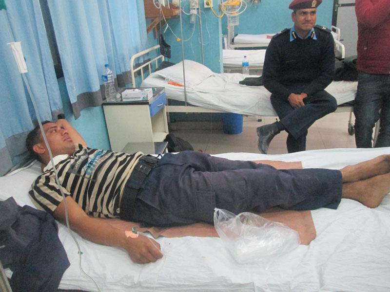 Police constable Kul Bahadur Khatri being treated in Gandaki Medical College of Nayabazar in Pokhara. Photo Courtesy: Kaski DPO