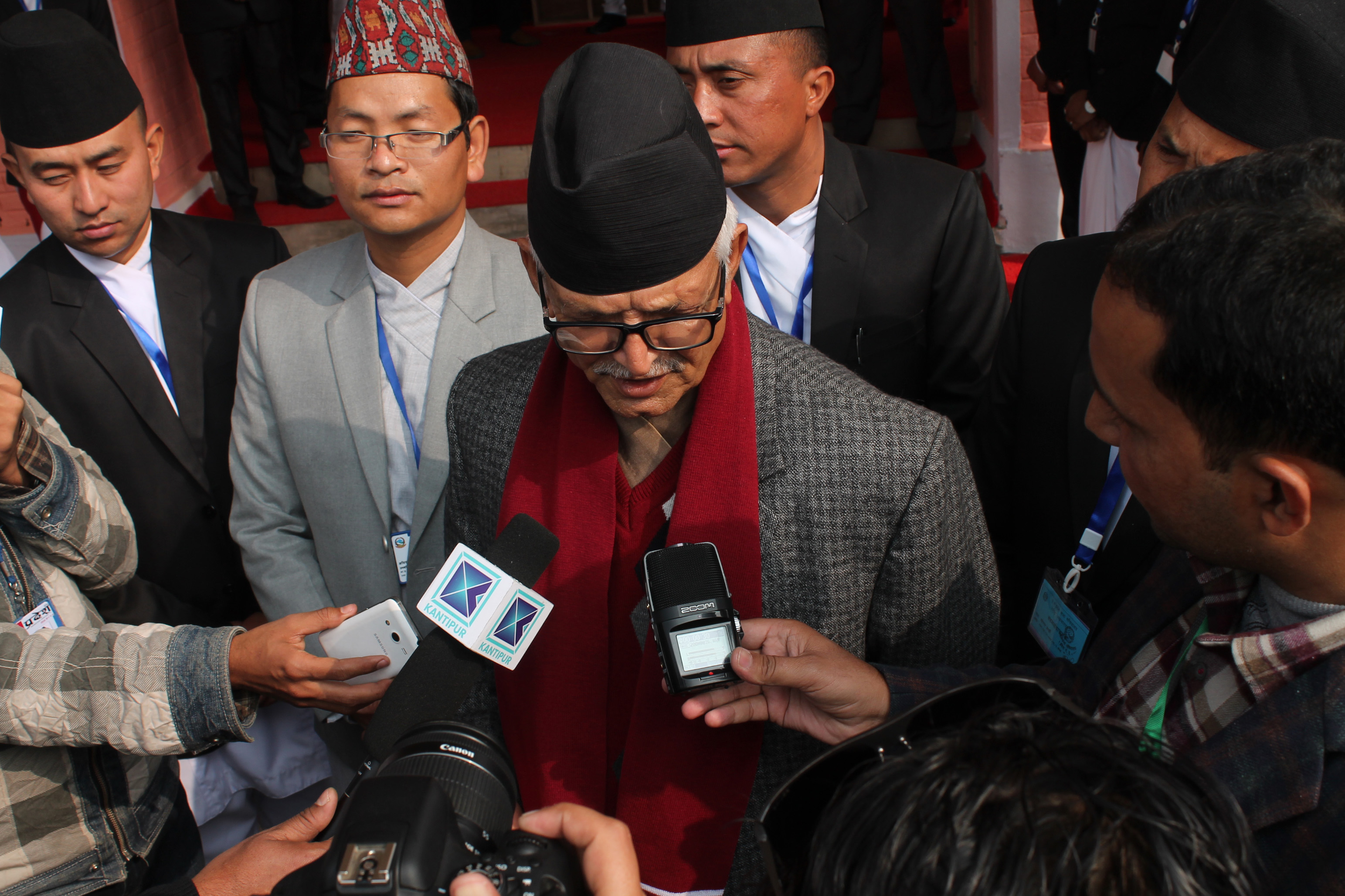 Senior most member of the province 3 Provincial Assembly Dormani Poudel talking to media before the commencement of the meeting held on February 1 at Hetauda, Photo: Prakash Dahal