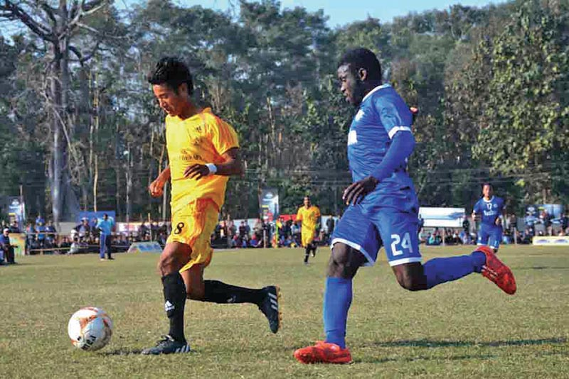 Players of Morang Football Club and Three Star Club (right) vie for the ball during their Ruslan ninth Simara Gold Cup match in Bara on Wednesday. Photo: THT