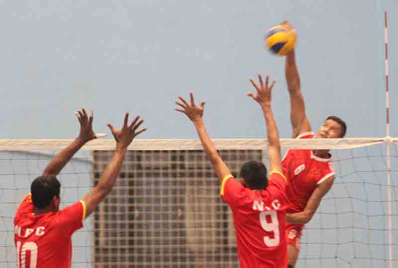 Dhan Bahadur Bhatta of Tribuvan Army Club attempts spiker agianst Nepal Police Club in semi-final match during CoAS National Volleball Tournament at Army Sports Complex, Lagankhel in Lalitpur on Friday.