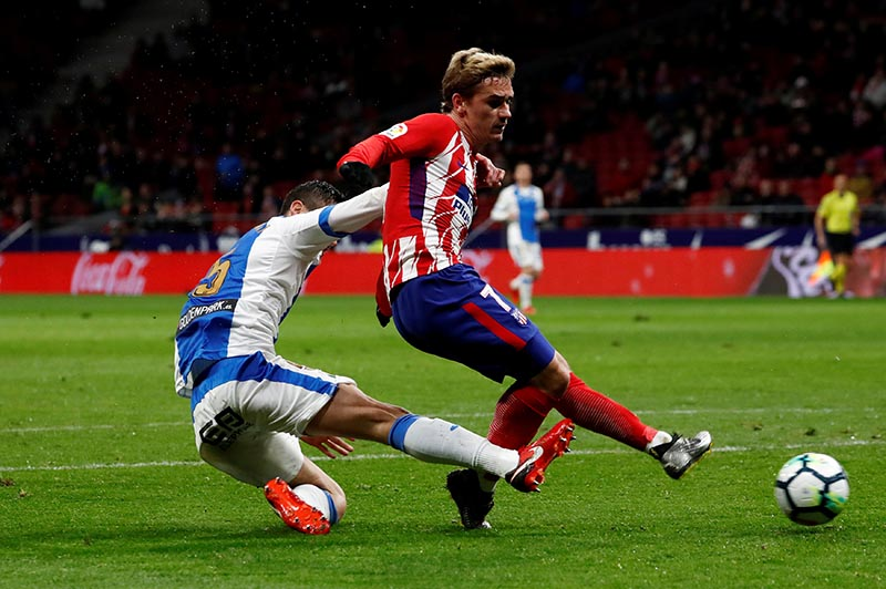 Atletico Madridu2019s Antoine Griezmann scores their first goal during the La Liga Santander match between Atletico Madrid and Leganes, at Wanda Metropolitano, Madrid, Spain, February 28, 2018. Photo: Reuters