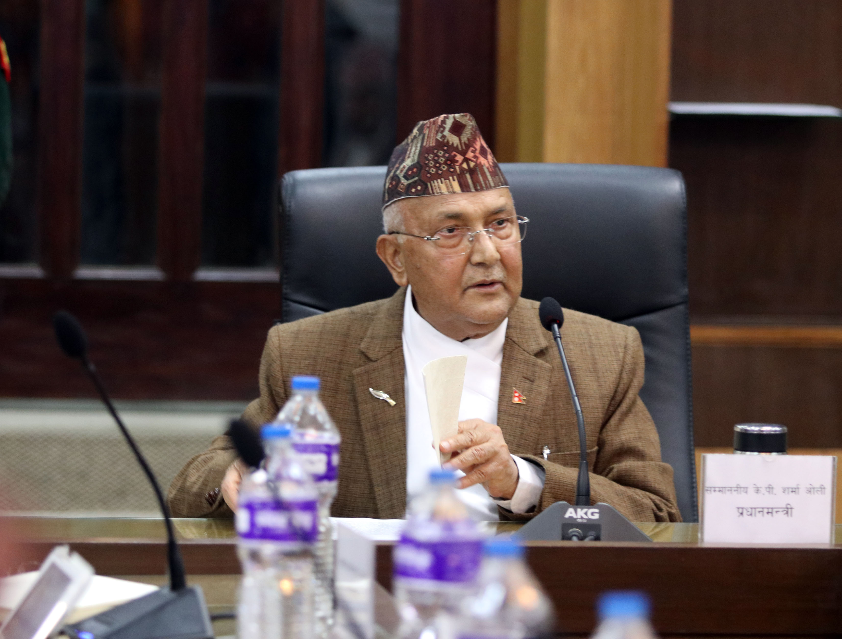 Prime Minister Kp Sharma Oli in a meeting with Nepal governmentu2019s secretaries and chief of law enforcement agencies at Office of the Prime Minister and Council of Ministers on Sunday, March 18, 2018. Photo: Roshan Sapkota/RSSn