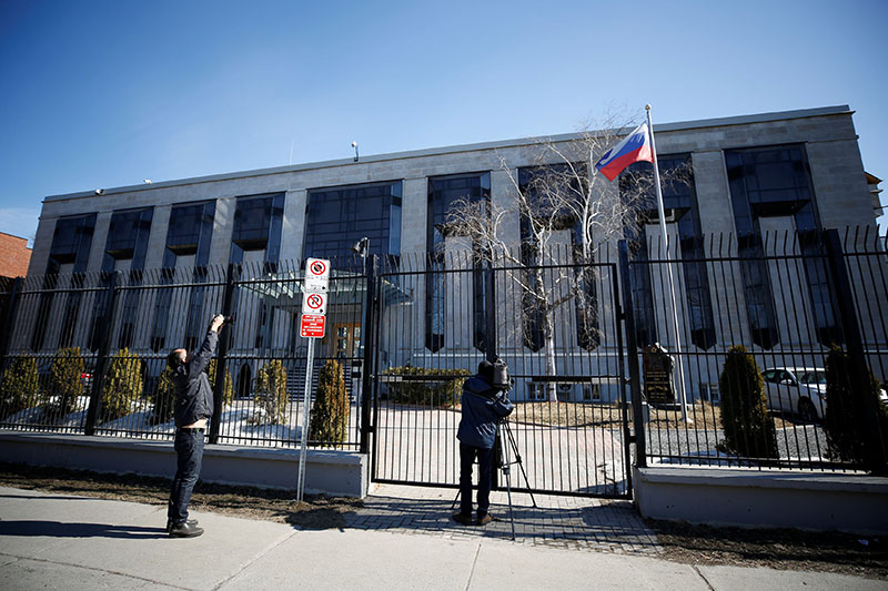 Media gather outside the Russian embassy in Ottawa, Ontario, Canada, March 26, 2018. Photo: Reuters